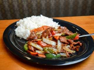 Black pepper steak with bell peppers, sweet onions
