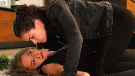 Rachel (Tatiana Maslany) and Sarah (also Tatiana Maslany)