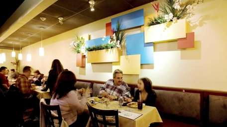 Perfecto Mundo (or Perfect World) in Commack specializes