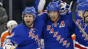 Brad Richards of the Rangers celebrates his third-period