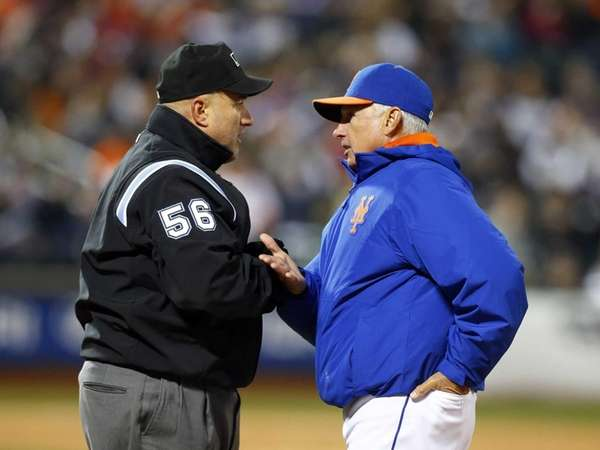 Manager Terry Collins of the Mets talks with