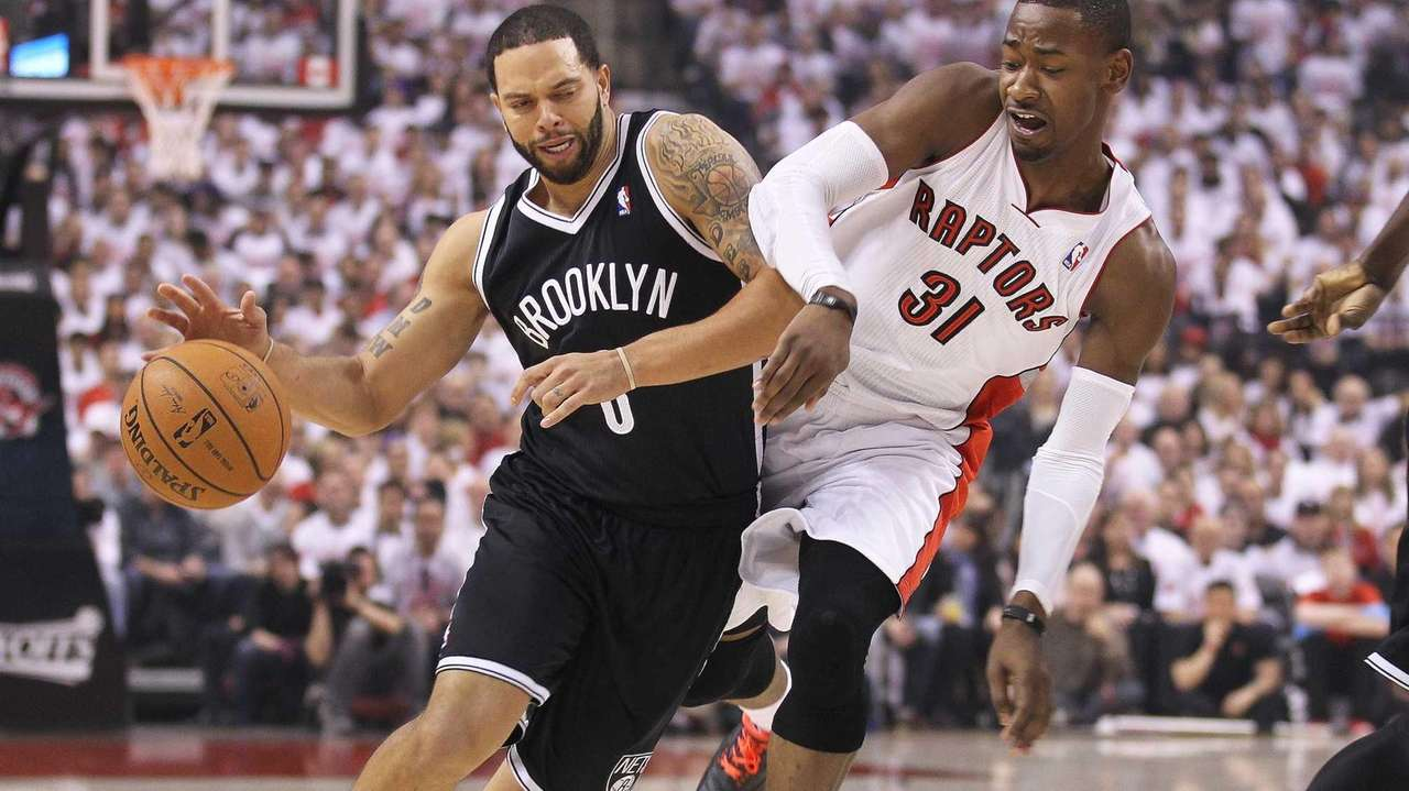 Deron Williams of the Nets plays against Terrence