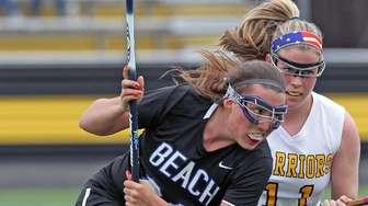 Long Beach's Elizabeth Rourke gets covered by Wantagh's
