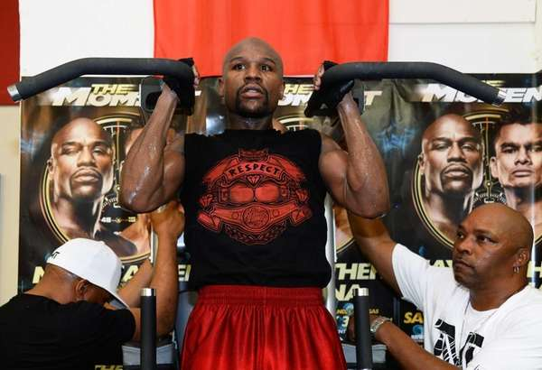 Floyd Mayweather Jr. works out at the Mayweather