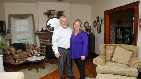 Joe and Linda Parent are selling their Wantagh