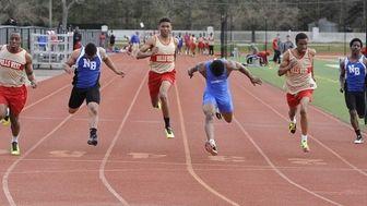 North Babylon's Rodney Green wins the 100 meter