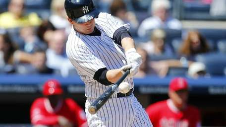 John Ryan Murphy of the Yankees connects on