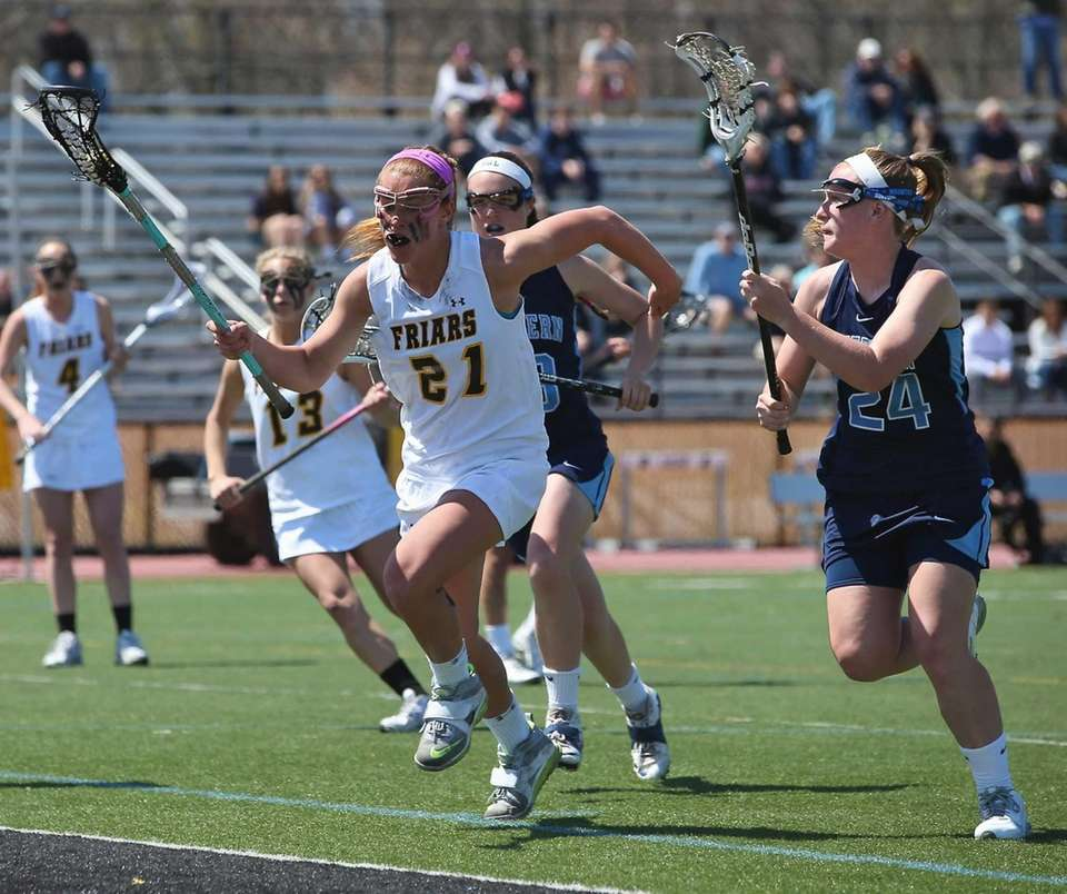 St. Anthony's Kasey Behr moves past two Suffern