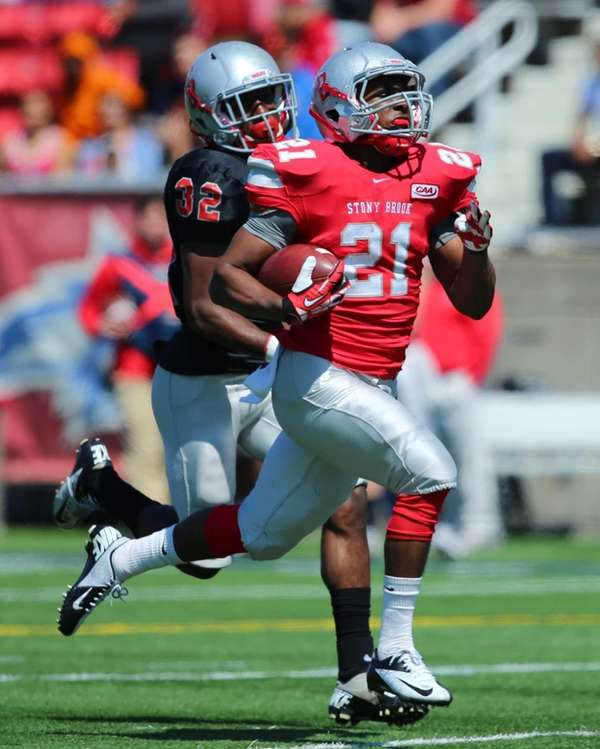 Stony Brook running back Stacey Bedell breaks a