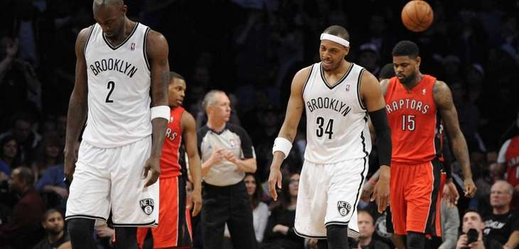 Paul Pierce and Kevin Garnett react after Pierce