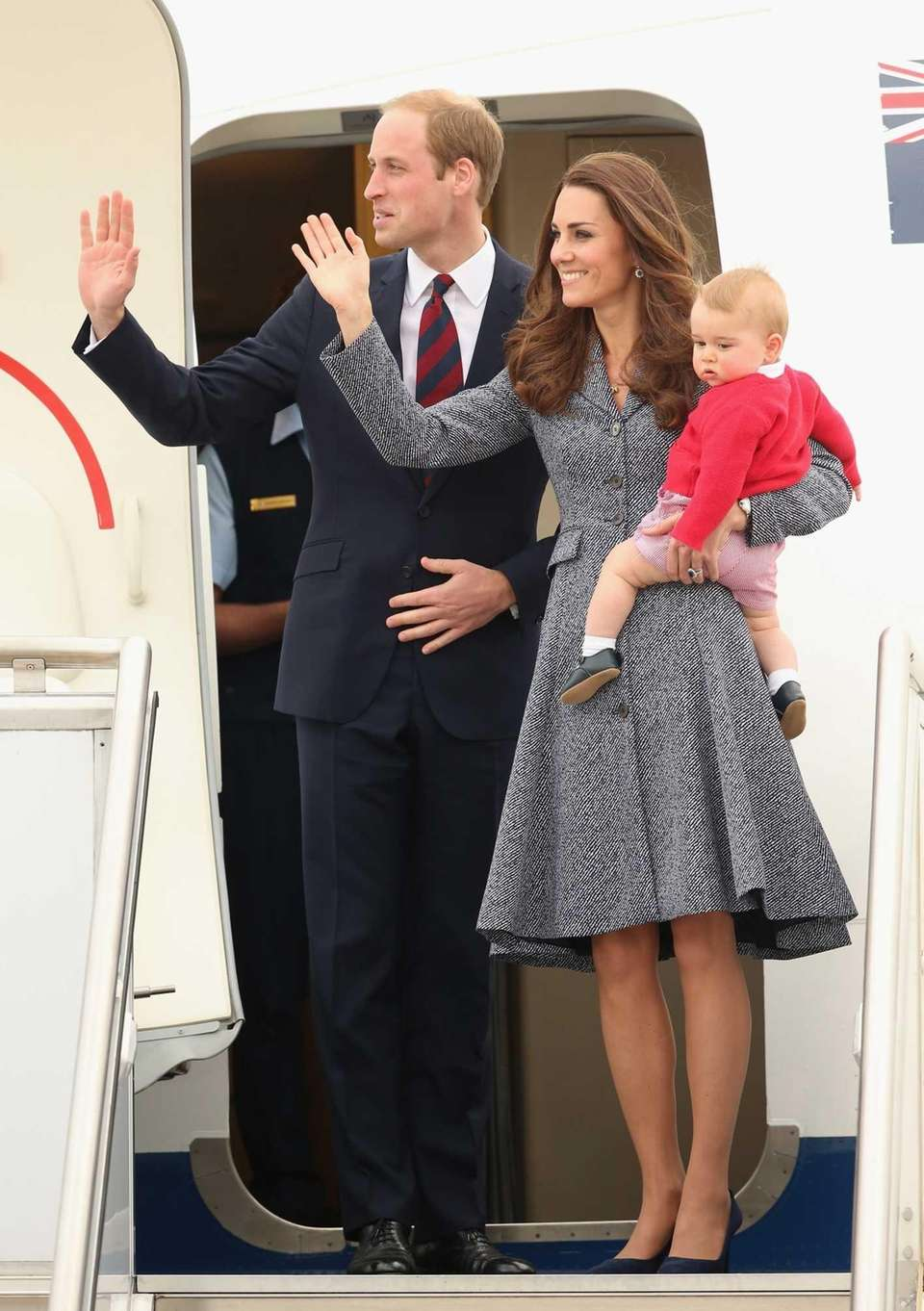 Prince William, Kate Middleton and Prince George leave