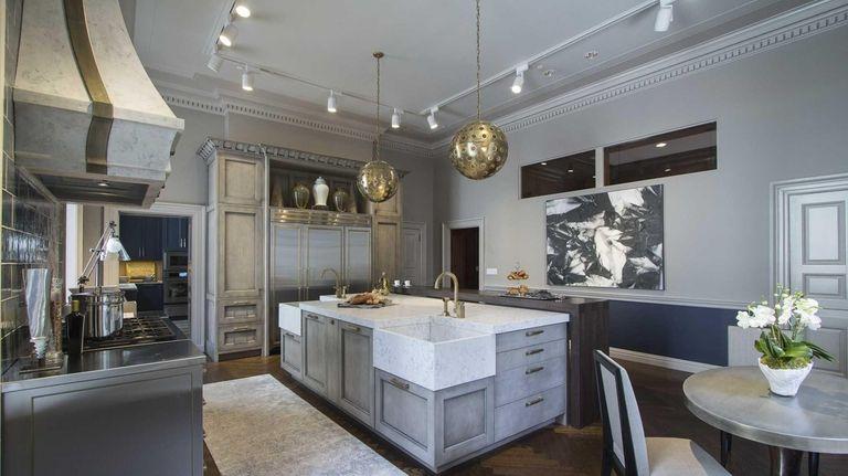 Atlanta designer Matthew Quinn's kitchen at the Kips