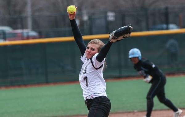 Molloy College pitcher Chelsea Hawks.