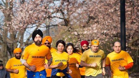 Sikh runners train at Cunnigham Park in Fresh