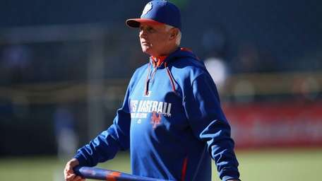 Manager Terry Collins of the Mets oversees batting