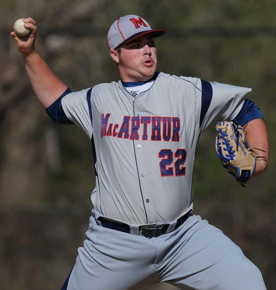 MacArthur starting pitcher Adam Heidenfelder delivers to the
