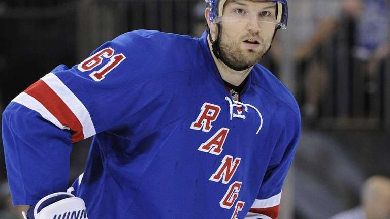 Rick Nash looks on against the Pittsburgh Penguins