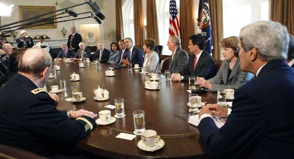 President Barack Obama meets with members of Congress