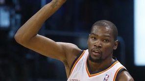 Oklahoma City Thunder forward Kevin Durant (35) gestures