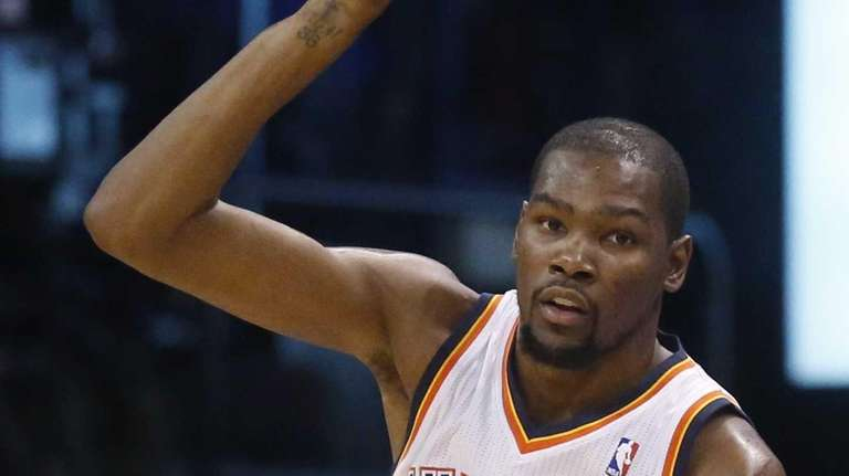 Oklahoma City Thunder forward Kevin Durant (35) gestures