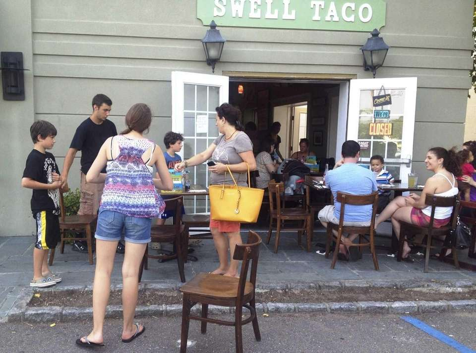 Swell Taco, Babylon: This adorable, jaunty little spot