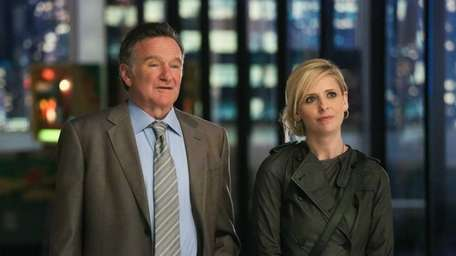 Robin Williams and Sarah Michelle Gellar in a