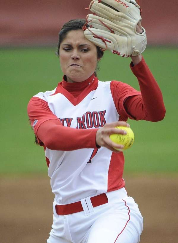 Stony Brook starting pitcher Allison Cukrov delivers in