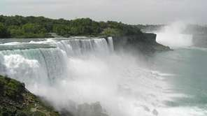 Visit Niagara Falls to see waterfalls that straddle