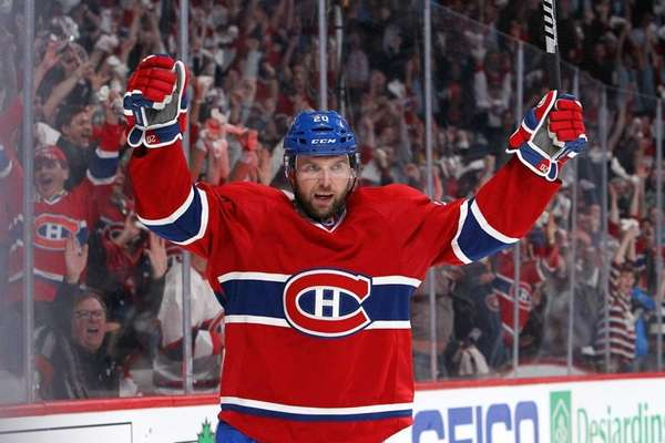 Thomas Vanek #20 of the Montreal Canadiens celebrates
