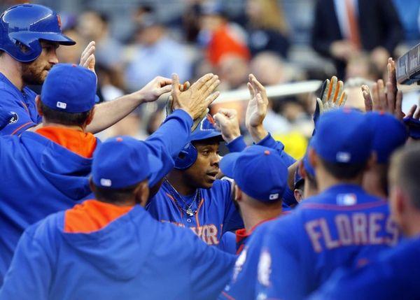 Curtis Granderson celebrates his first-inning three-run home run