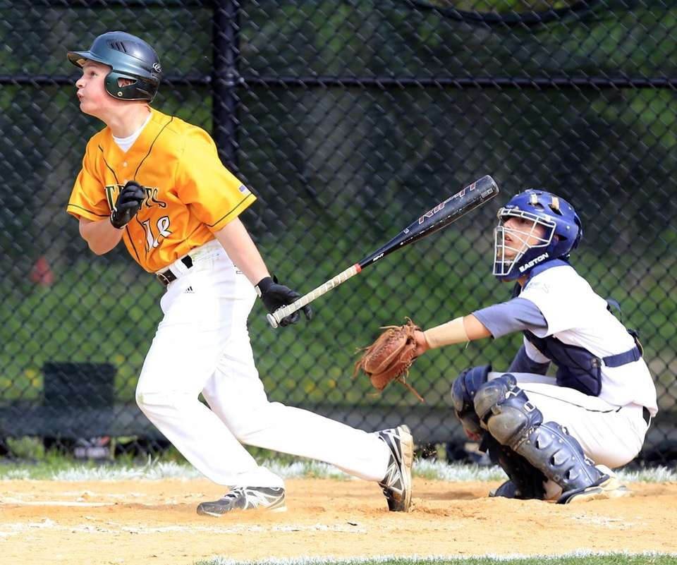 Ward Melville's Liam Stamm-Walsh follows the flight of