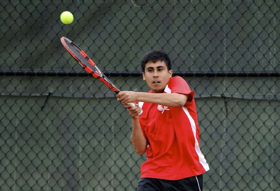 Half Hollow Hills East's Zain Ali returns to