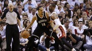 Miami Heat guard Dwyane Wade (3) applies pressure