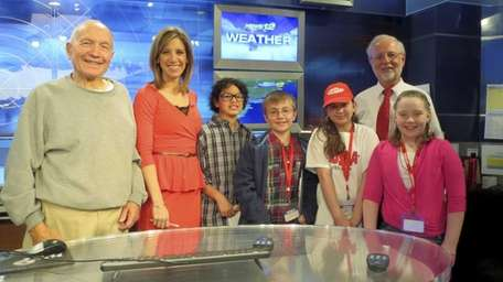 Kidsday visited the News 12 department and met