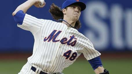 Mets starting pitcher Jacob deGrom, making his major