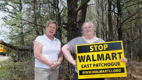 Jean Hardy, of North Patchogue, left, and MaryAnn