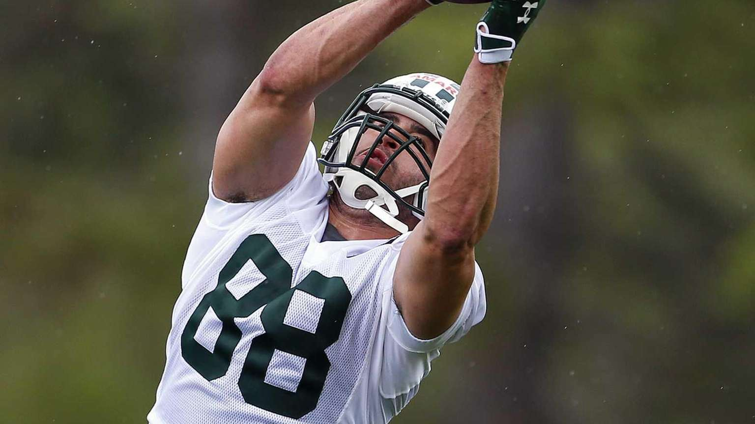 Tight end Jace Amaro of the Jets makes