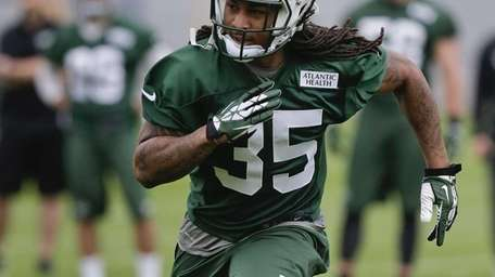 Jets safety Calvin Pryor runs a pattern during
