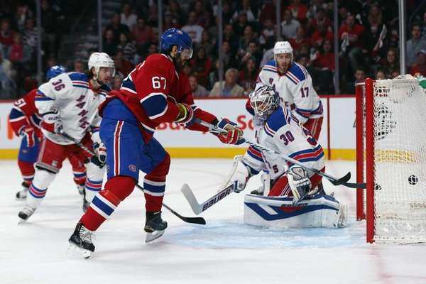 Max Pacioretty of the Montreal Canadiens scores a
