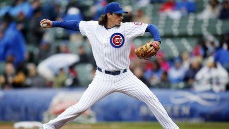 Chicago Cubs starting pitcher Jeff Samardzija delivers against