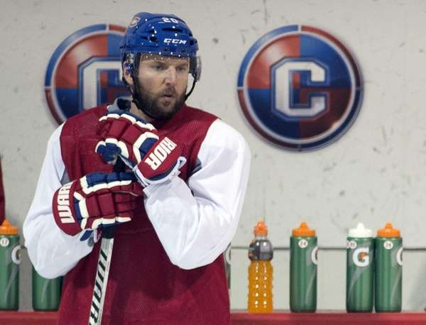 Montreal Canadiens left wing Thomas Vanek takes part
