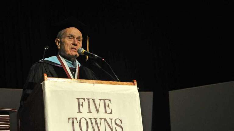 Dr. Stanley Cohen speaks before the Five Towns