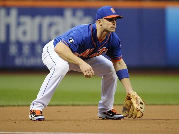 Mets third baseman David Wright sets against the