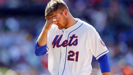 Lucas Duda #21 of the Mets looks on