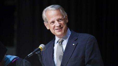 Rep. Steve Israel on Thursday joined the bipartisan