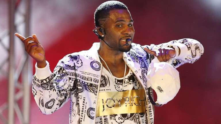 Jason Derulo performs during the World Music Awards