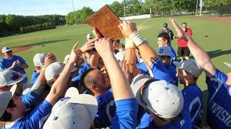 Division celebrates after defeating North Shore in the