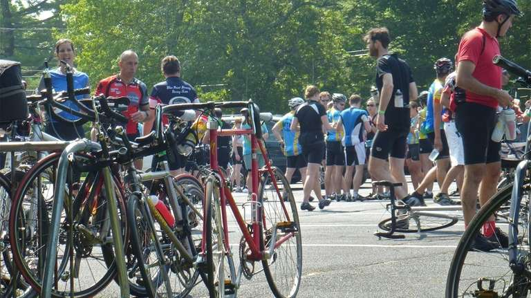 Participants in the 2011 Ride to Montauk at