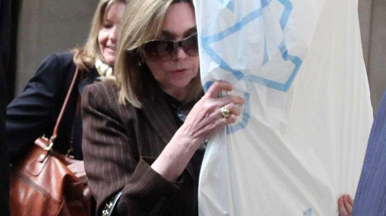 Marianne Nestor Cassini leaves the Nassau County Courthouse