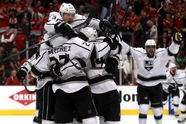 The Los Angeles Kings celebrate defeating the Chicago